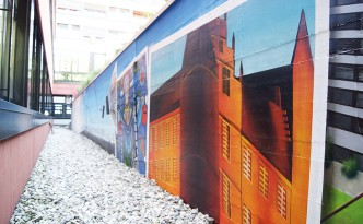 Farbwandel Fassadenkunst St. Elisabeth Hospital Herten Wandgestaltung